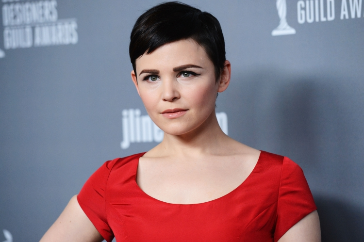 Ginnifer Goodwins Baby Bump Offers Twist To Once Upon A Time