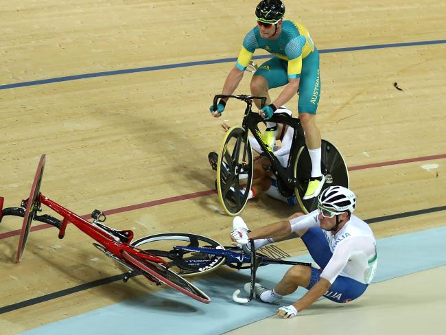 Viviani wins gold for Italy, Cavendish adds to British haul