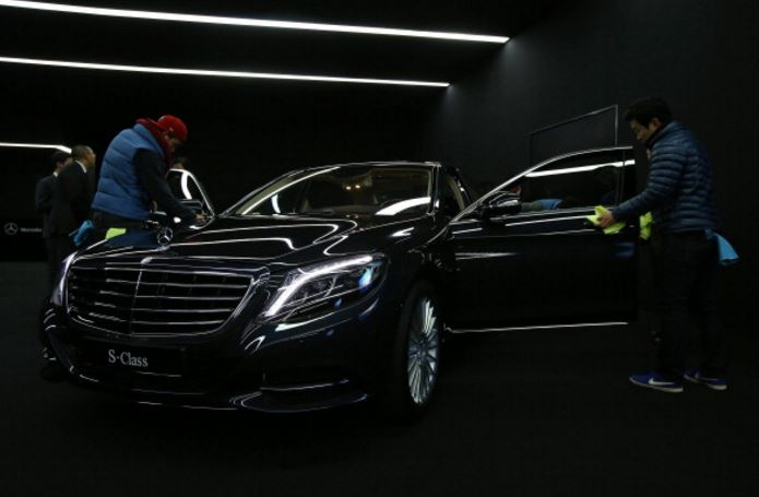 Mercedes benz korea applauded for premium customer service for Mercedes benz ag