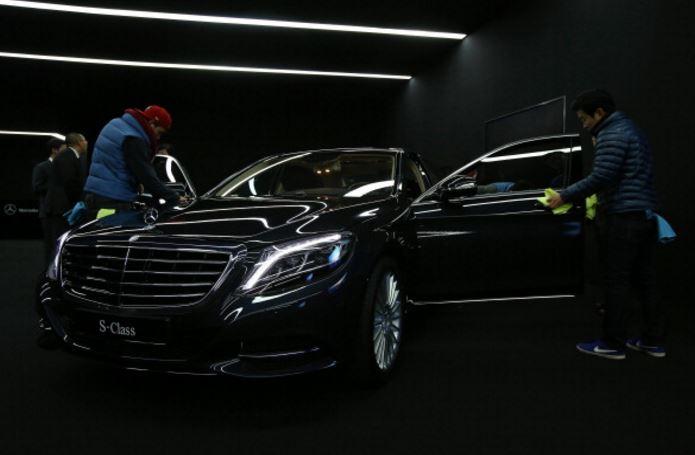 Mercedes benz korea applauded for premium customer service for Mercedes benz customer support