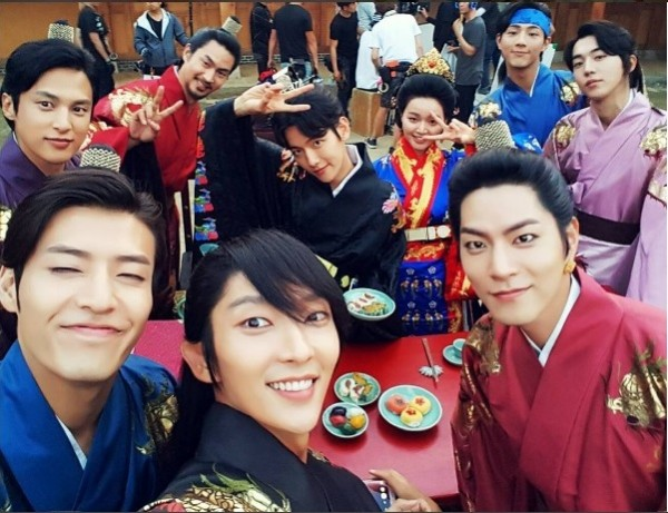 Moon Lovers Scarlet Heart Ryeo Actor Lee Joon Gi Shares Behind