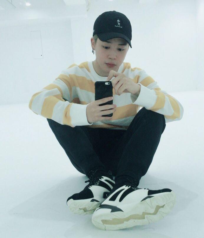 Bts Fans Celebrate Jimin S Birthday By Trending Happyjiminday On Twitter K Wave Koreaportal