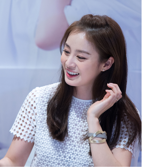 Kim Tae Hee S Label Confirmed Actress Wedding Rumor With