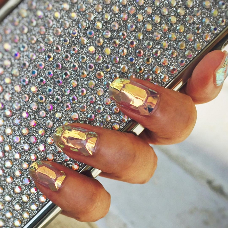 South Korean Nail Artist Starts Another Beauty Trend With Glass ...