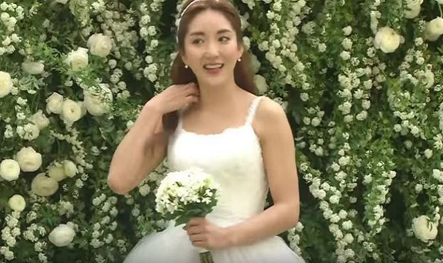 S E S Bada S Wedding Turns Into Fashion Event Sandara Park