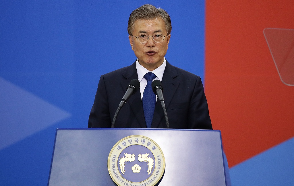 Putin, Moon stress political, diplomatic solution to tensions on Korean Peninsula