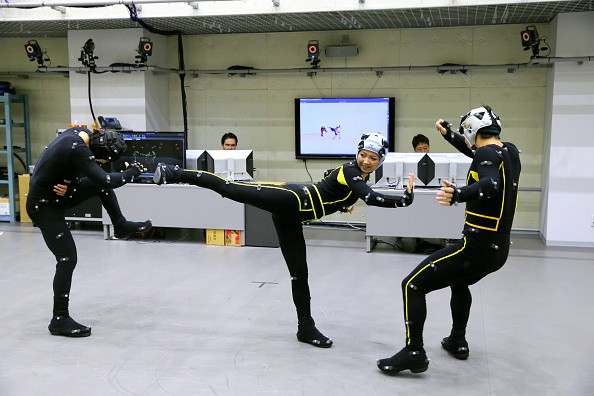Rokoko Smartsuit Pro: A Motion Capture Suit In Action That Could