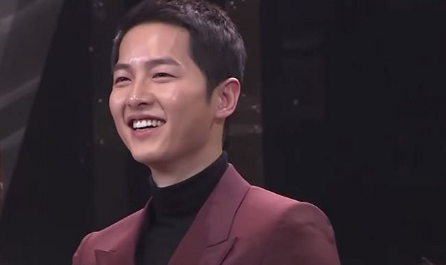 Actor Song Joong-ki denies dating actress Song Hye-kyo
