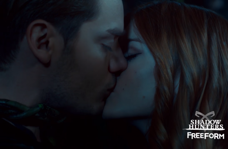 are clary and jace dating in real life