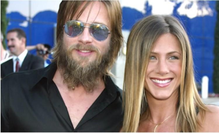 Jennifer Aniston And Brad Pitt Wedding | Brad Pitt Jennifer Aniston Are Reportedly Back Together Does Pair