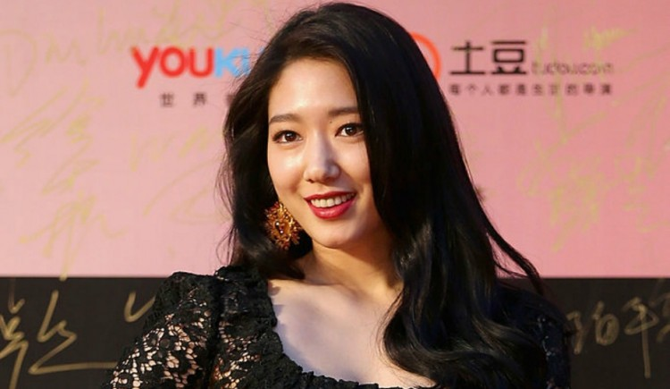 Park Shin Hye 2018 Choi Tae Joon S Girlfriend Seen With Another