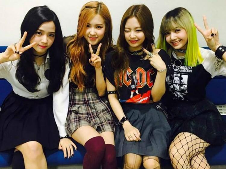 Blackpink 2018 Comeback Lisa Jisoo Jennie Kim Rose Make Another