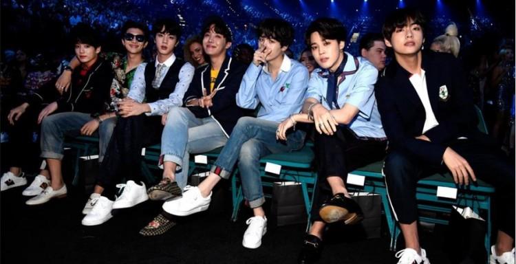 BTS News & Update: Fans, Dick Clark Productions CEO Praise V