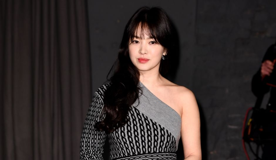 reports have it that song hye kyo who is the wife of song joong ki showed her support to her friends photo by kevin lee getty images