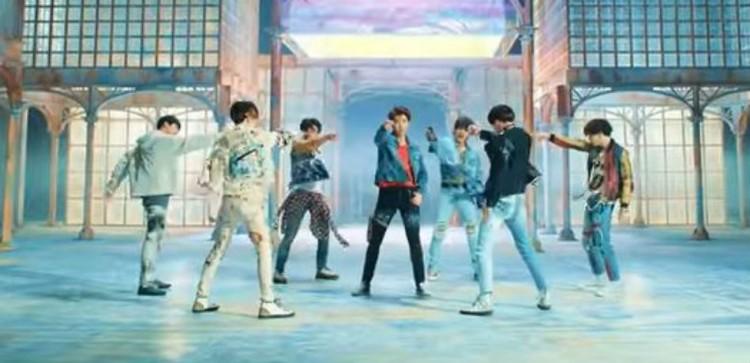BTS Nabs Billboard Milestones With 'Love Yourself: Tear' & 'Fake