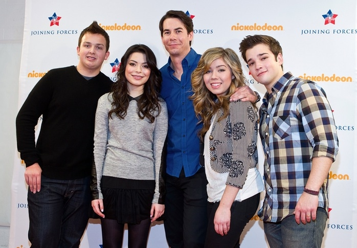 Nathan Kress Wedding.Nathan Kress Gets Married Icarly Reunion At Wedding Photo