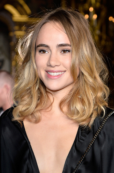 Citaten Annie Instagram : Suki waterhouse surrounds herself with boys cara